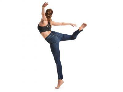 Trendy moda: elastyczny sportowy denim